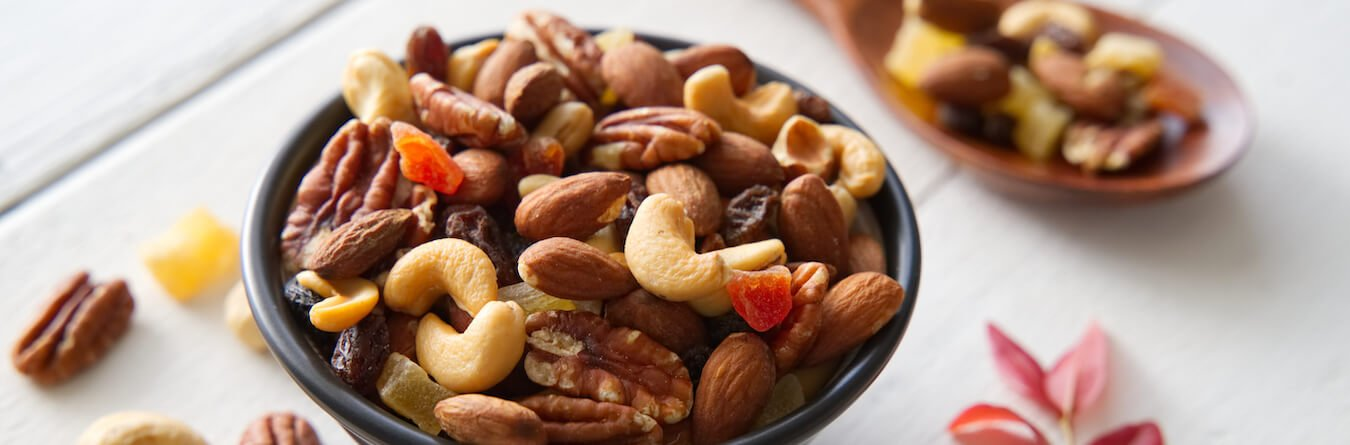 mix nuts and dried fruit